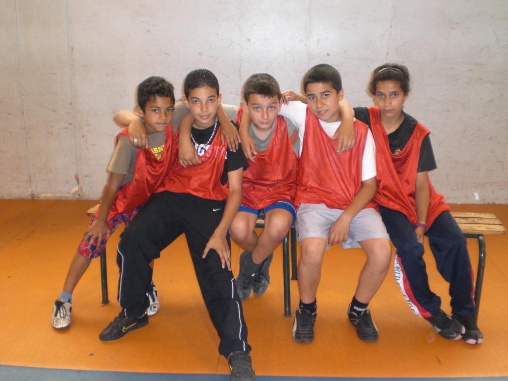 Equipe d'enfants, tournoi de football en salle organisé au gymnase Léo Lagrange, Pantin, 2009