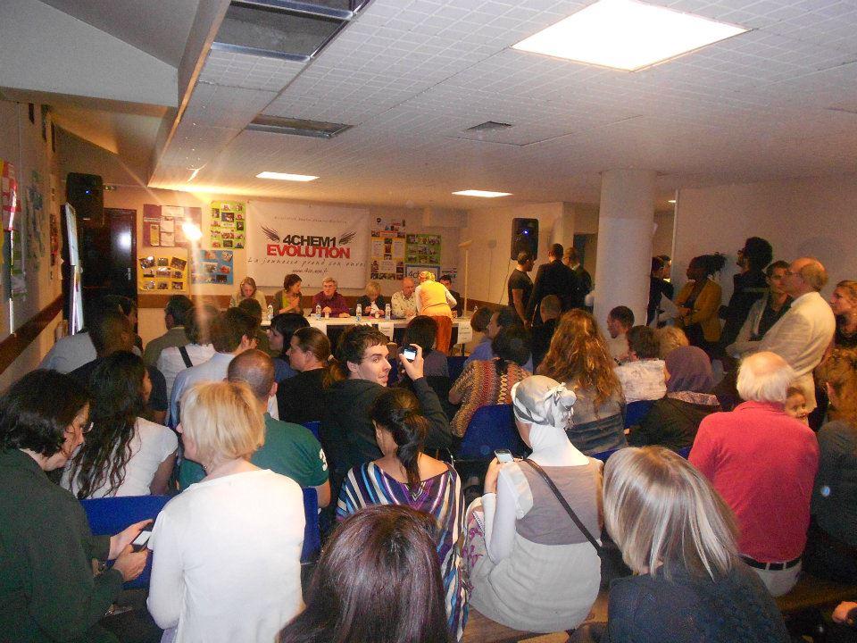 Rencontres citoyennes dans le local de notre association. Echange avec les candidats aux élections législatives de Juin 2012 sur la circonscription de Pantin